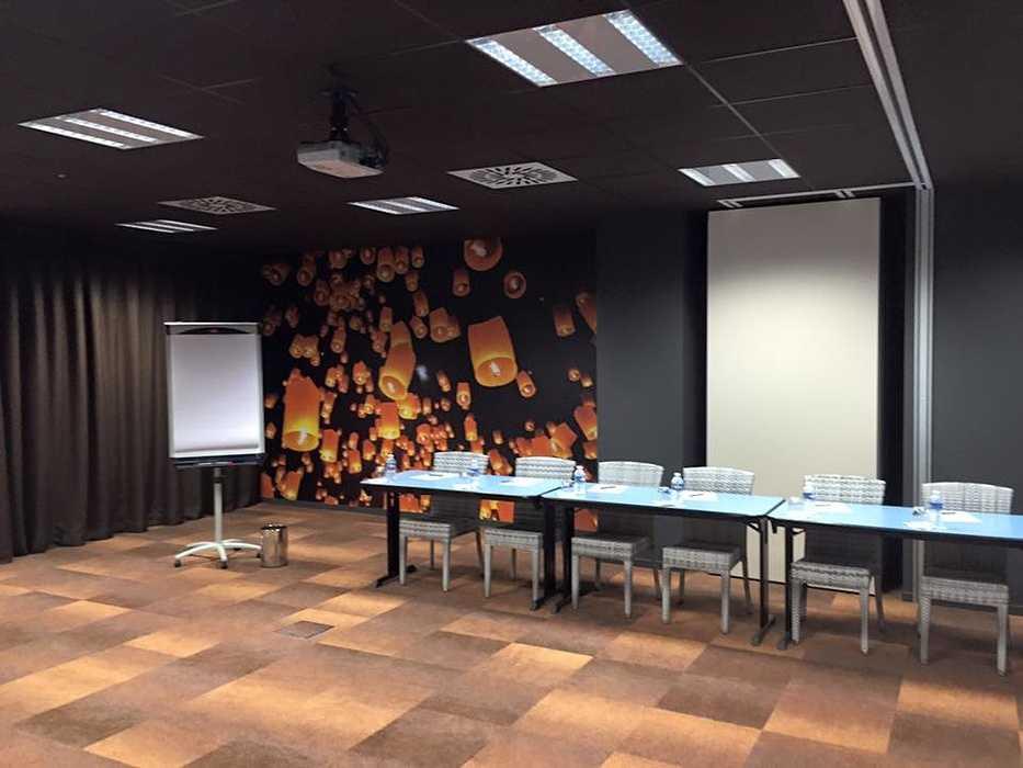 Rénovation et décoration salle de réunion Hôtel - Plérin 0