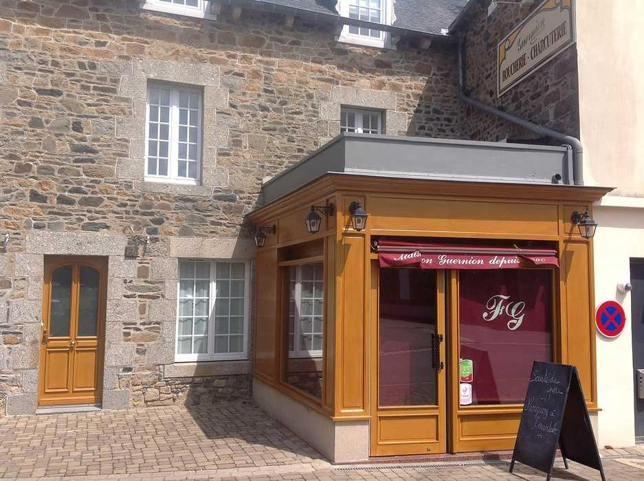 Rénovation de la vitrine d''une boucherie - Hillion - Côtes d''Armor 0
